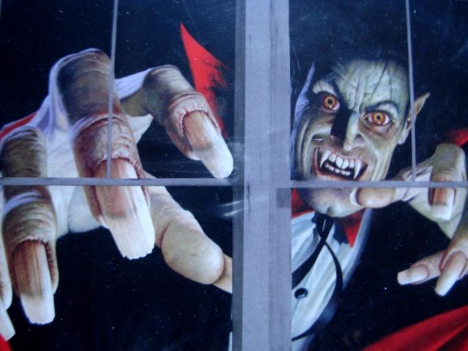 Vampire Window Scene Setter